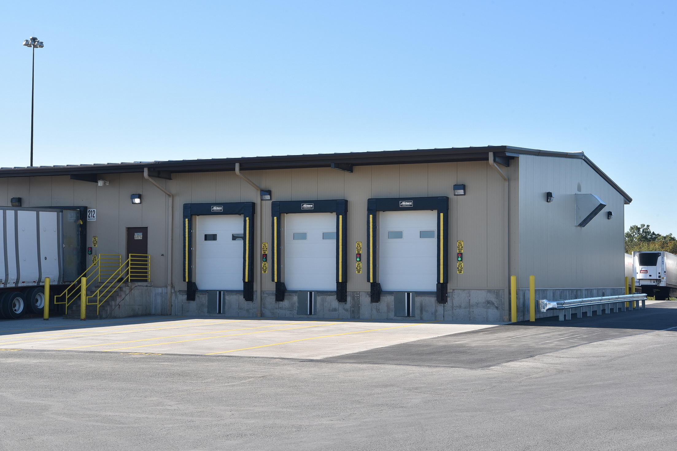 Conewago Manufacturing Steel Project - Weis Food Markets